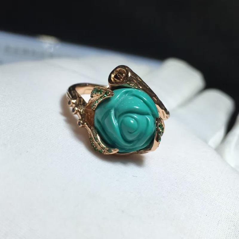 完美,戒拖玫瑰金,周边天然绿宝石,半玉化戒面极品